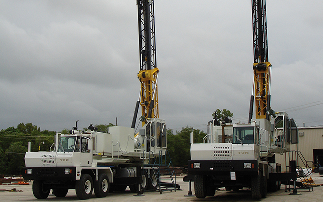 Foundation and oil field drill rig carriers | TOR truck