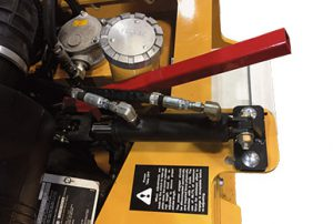 Emergency clutch manual lever - RPM215 loader-mounted snow blowerl